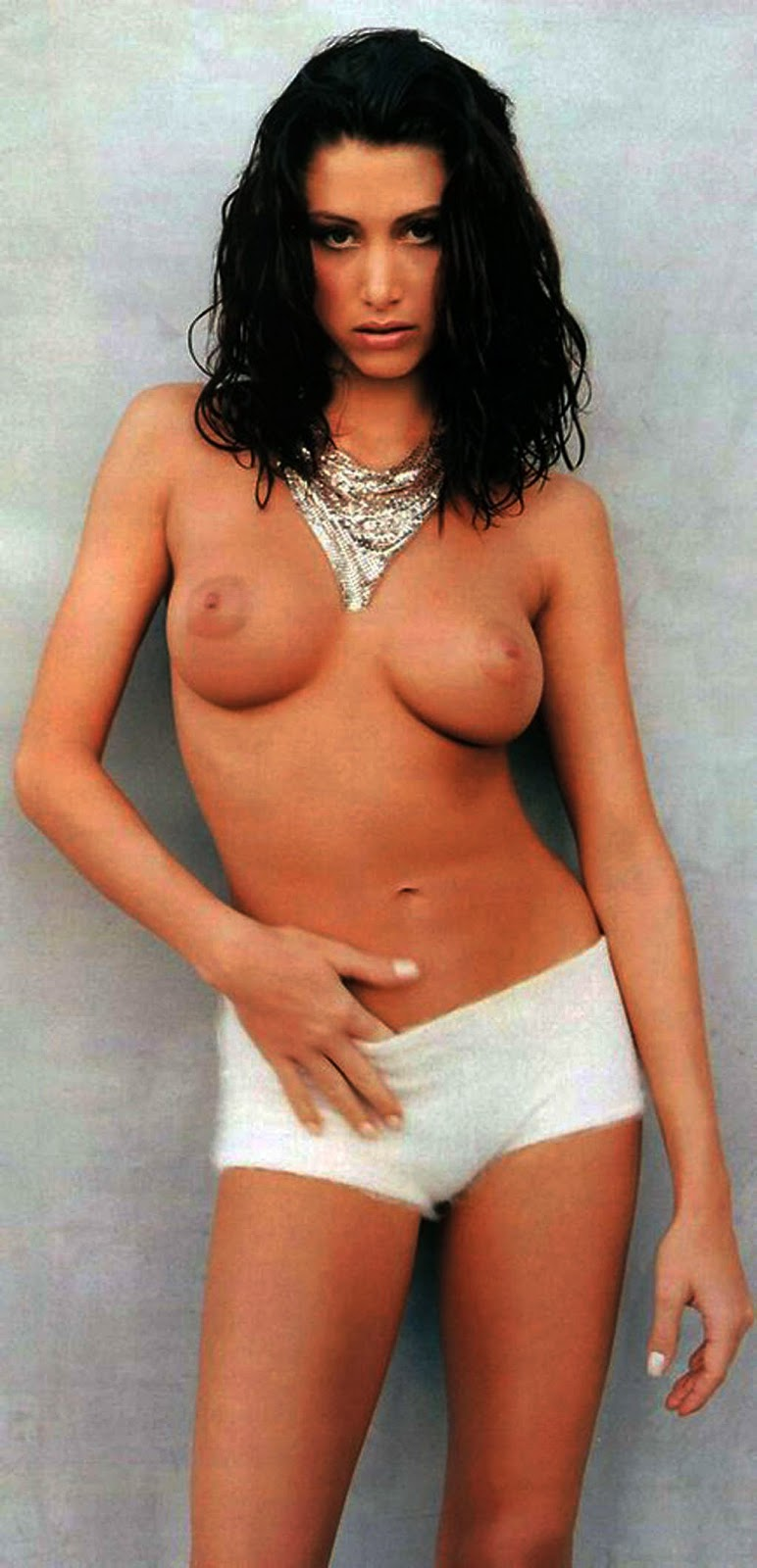 Shannon Elizabeth in 18 photos from