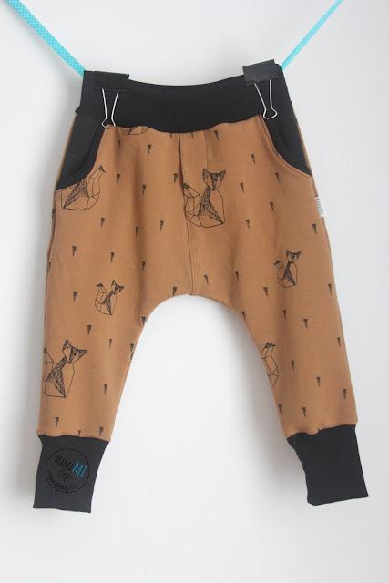 spodnie baggy, dresowe, w liski, wygodne dresy