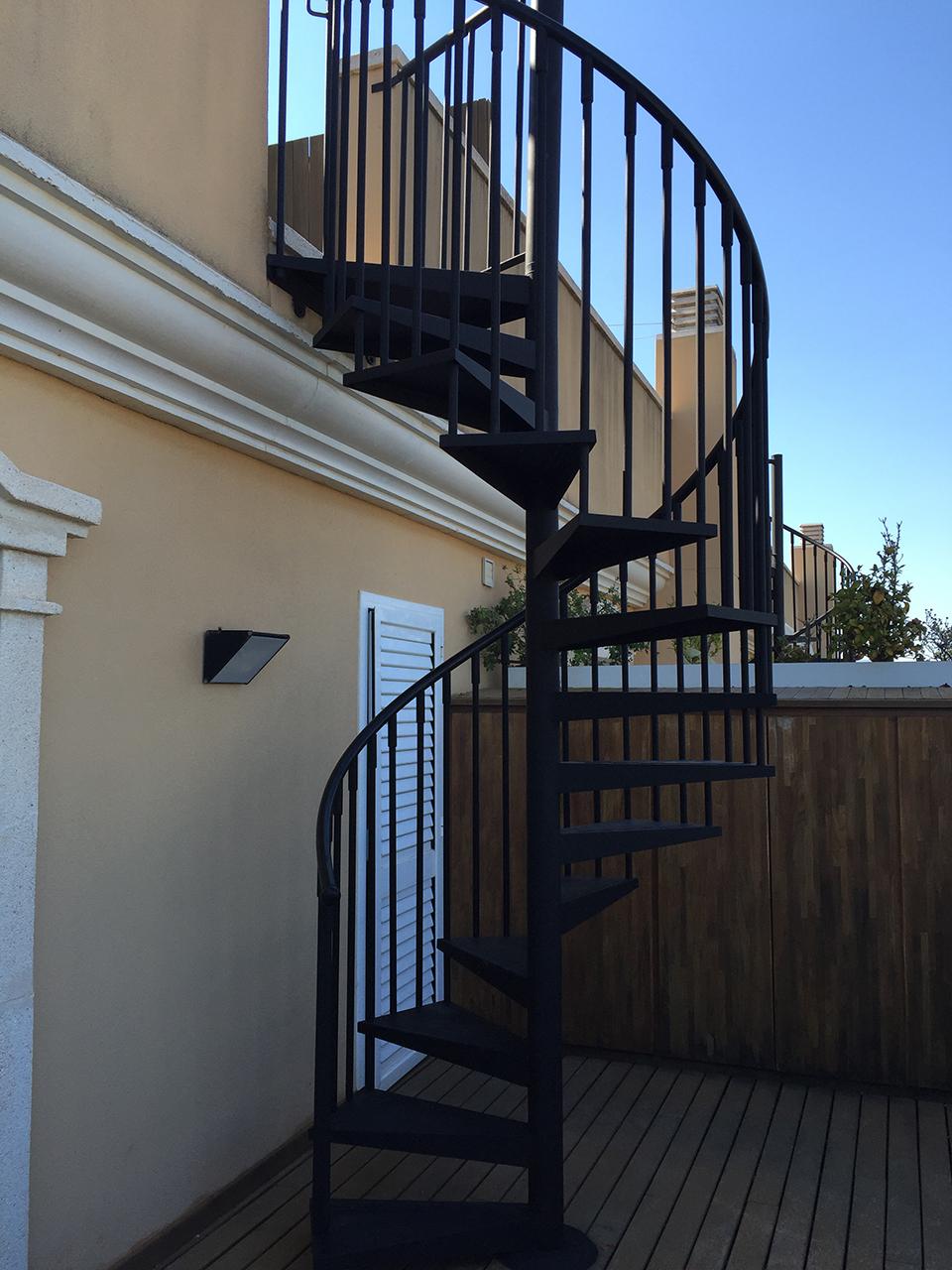 Pintaecol gic pintura de protecci n de escalera met lica - Escaleras para exterior ...
