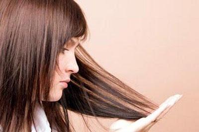 Treat-Hair-Dandruff - خل التفاح والثوم أسرع طرق التخلص من القشرة
