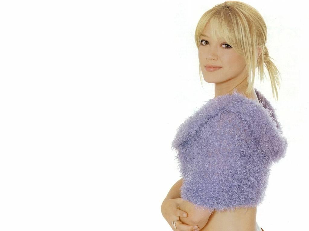 http://1.bp.blogspot.com/-bNtNDoh-P44/UGAHUWGFfXI/AAAAAAAApwE/tlt5QBxse0M/s1600/Hilary+Duff+photograph.JPG