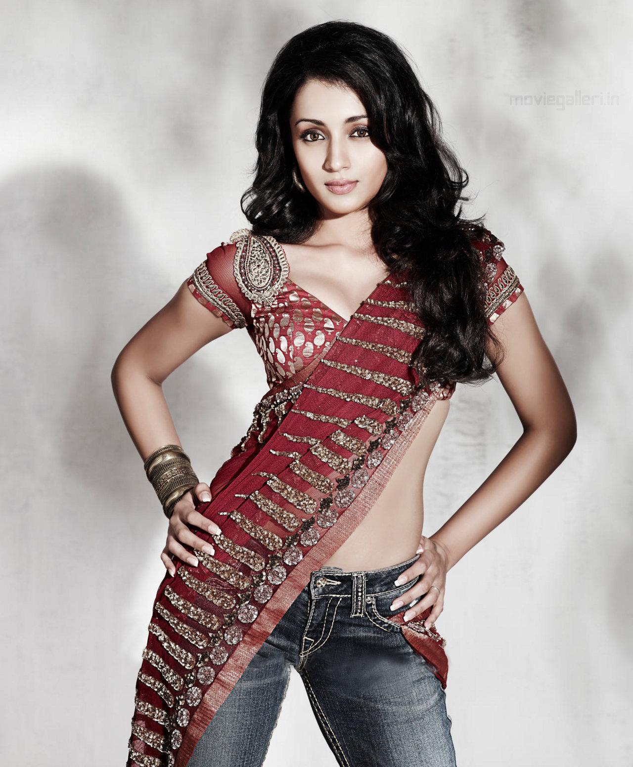 Hq Wallpapers Of Beautiful Indian Actress Trisha Krishnan