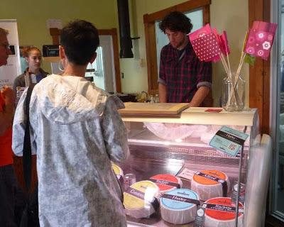 Fromagerie La Station de Compton cheese shop