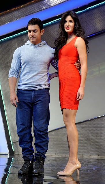 Dhoom 3, Aamir Khan, Film, Katrina Kaif, Mumbai, Bollywood, Showbiz, Celebrities, India, Promotion, Event, Toy, Hindi Film, Actress, Actor, Pose, Picture,
