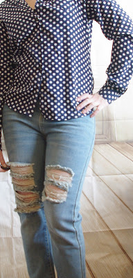 How to style a Boyfriend Jeans: Dots Blouse