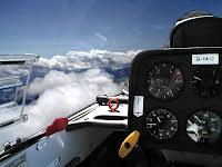 Rundflug, Cockpit, Rundflüge, über den Wolken, baluer Himmel, Flugzeug