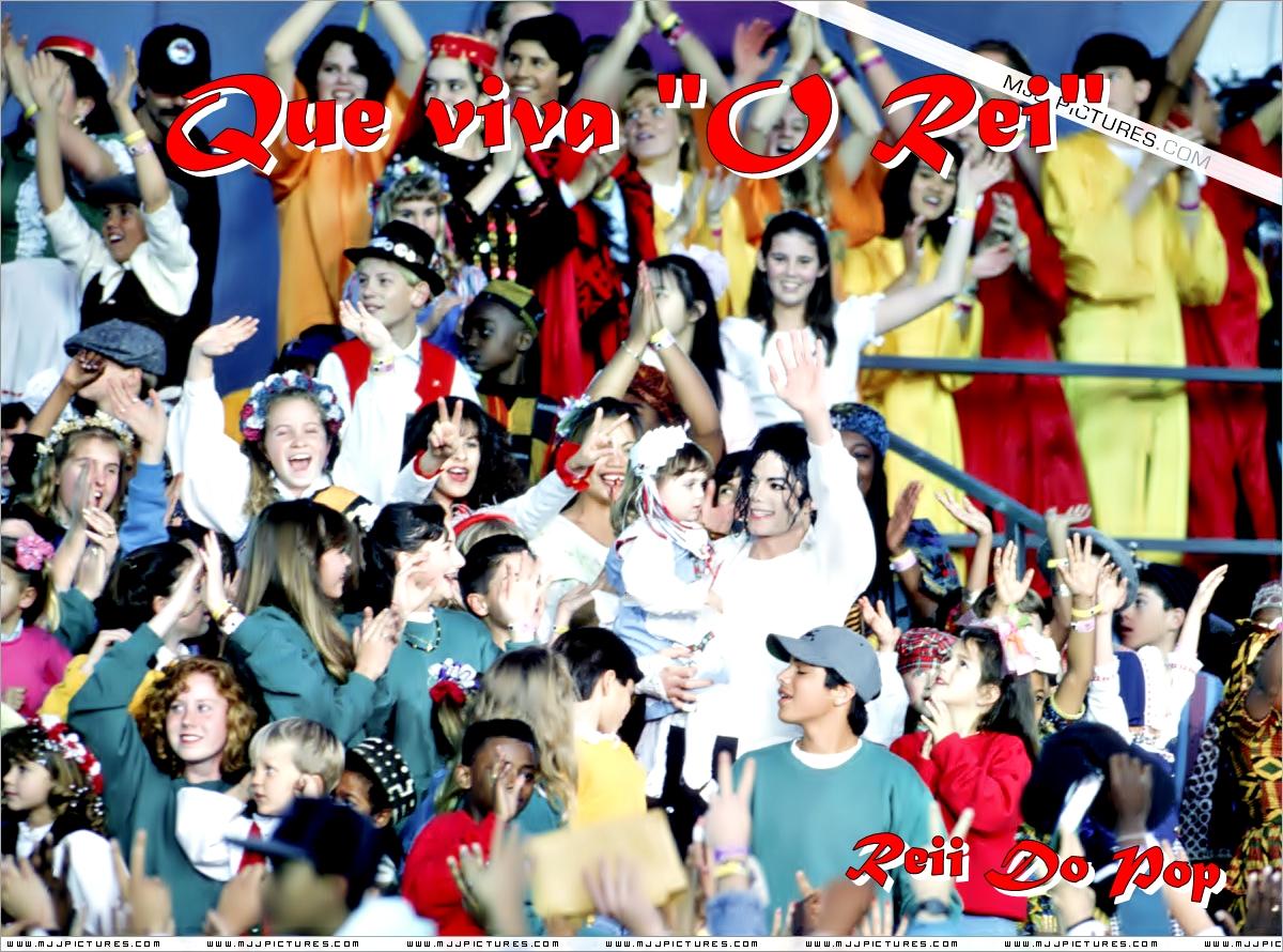 http://1.bp.blogspot.com/-bOHnOE53S54/Tlu5GO9WG8I/AAAAAAAAALw/3WMeSJj7DbY/s1600/aniversario+michael+jackson.jpg