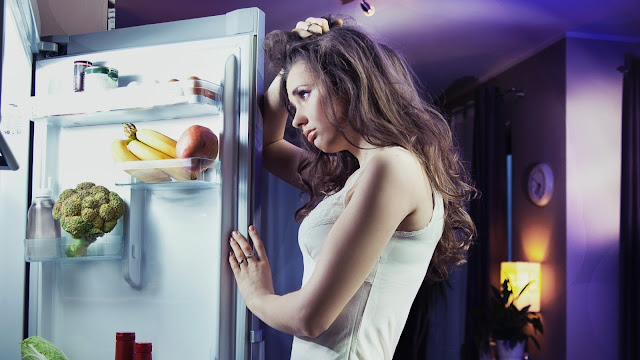 If You Are Eating These 10 Foods at Bedtime You are Making a Huge Mistake!
