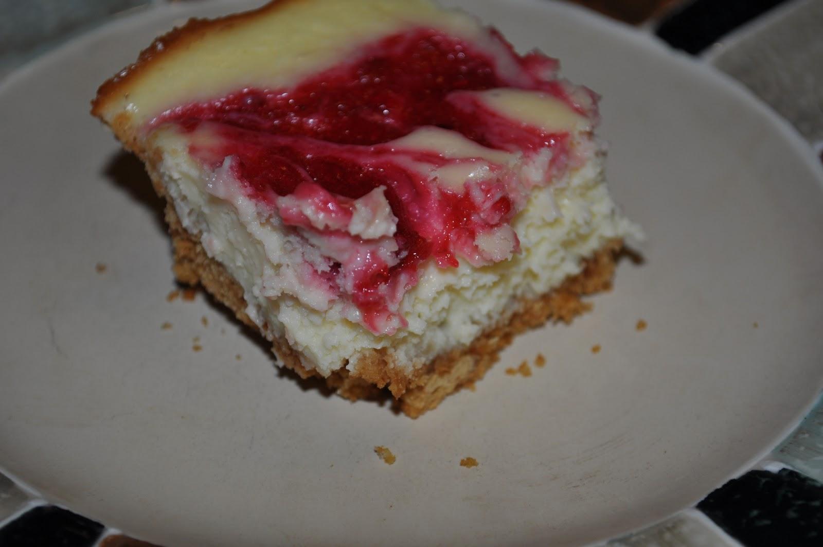 Beth's Favorite Recipes: Strawberry Swirl Cheesecake Bars