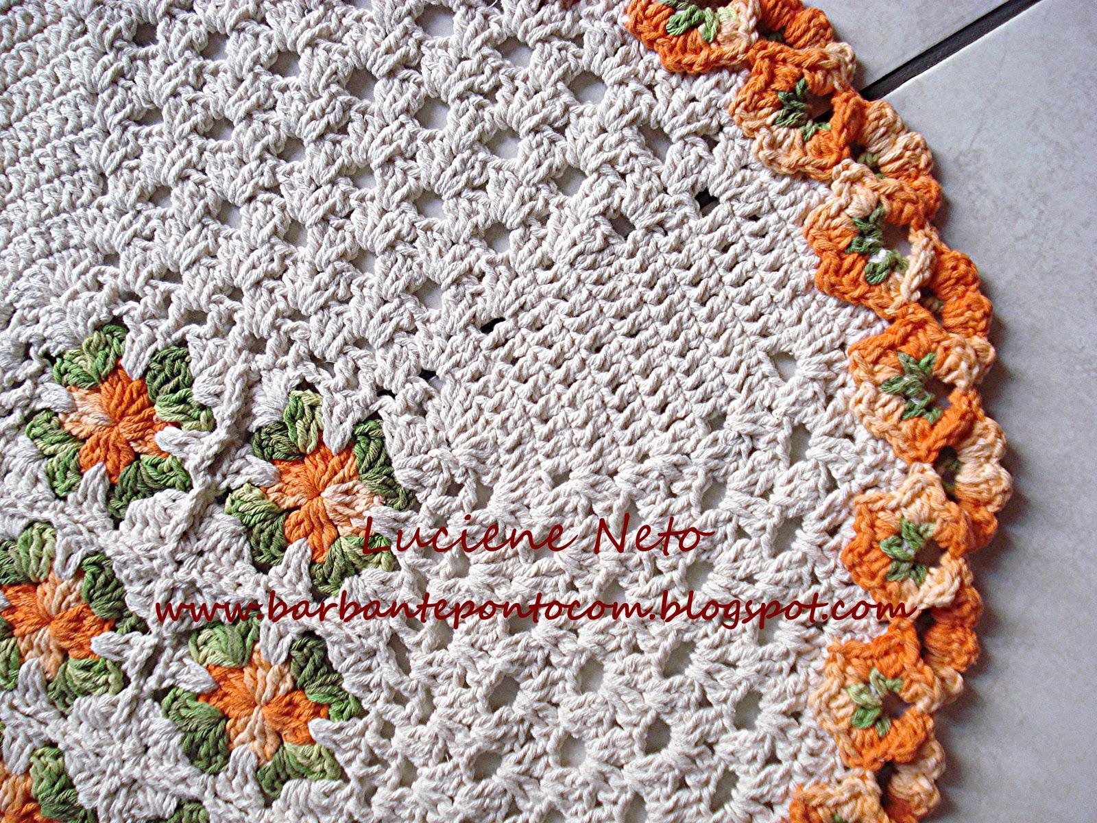 tapete oval   bico trabalhado   flores   cru barroco
