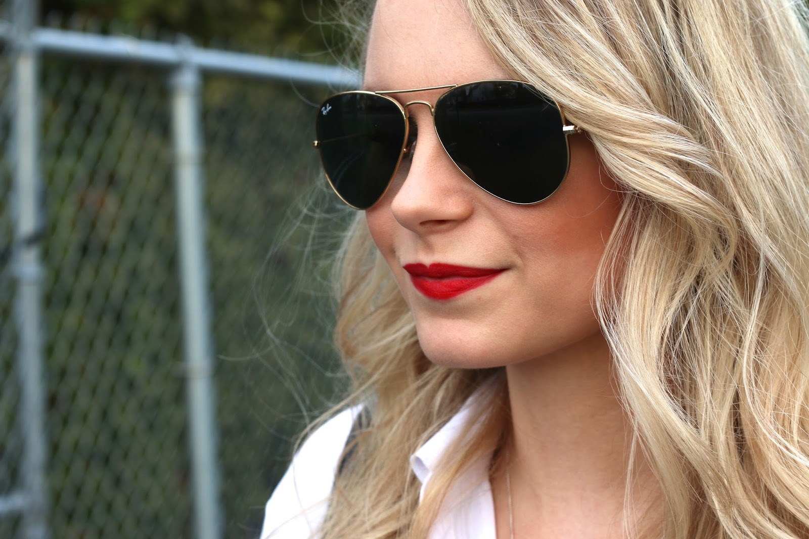 how to wear red lips