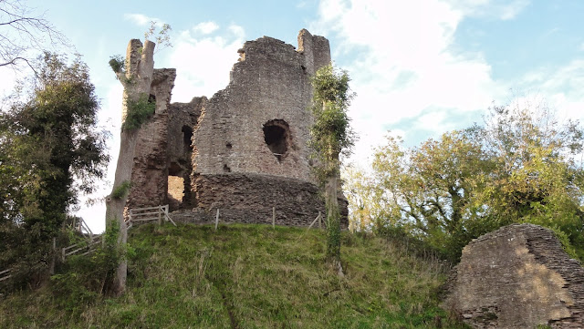Herefordshire Castles - Longtown