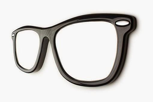 Gafas de sol Ray-Ban como diseño de un espejo para tu casa