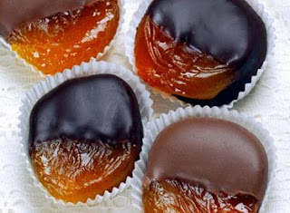 Chocolate-Dipped Apricots