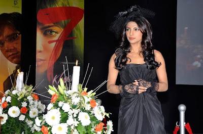 priyanka_chopra_hottest_FilmyFun.blogspot.com