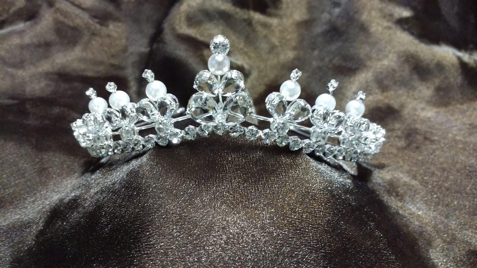 La Diva Noivas - Coroas com cristais / Encomendas