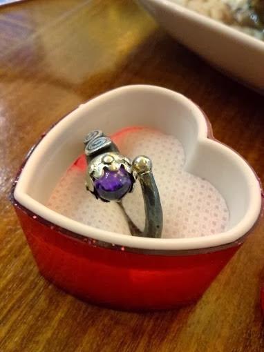 hediye,sevgiliye en güzel hediye,bayan için hediye,yüzük,taşlı yüzük,