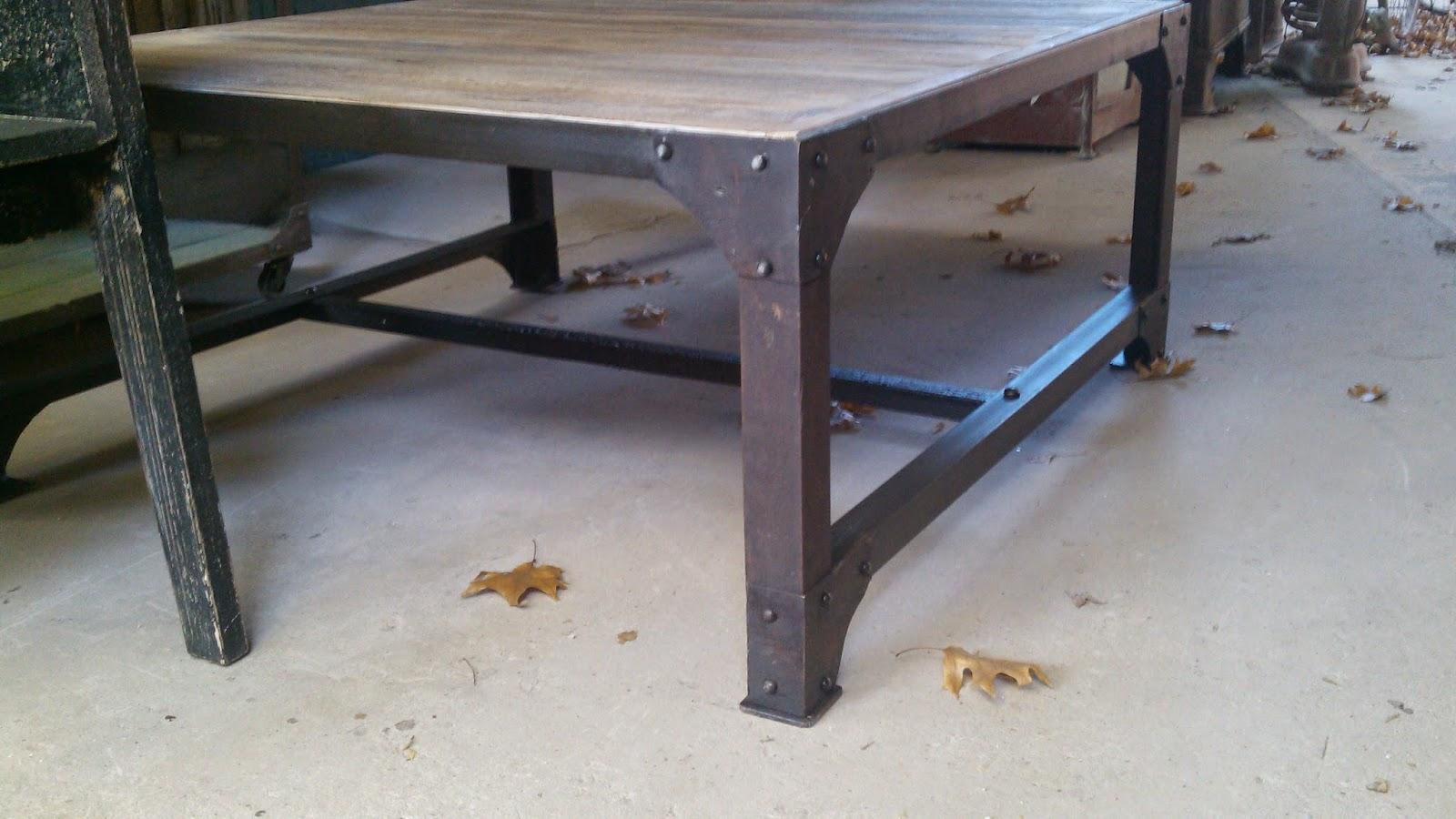 Muebles patchwork ruta 27 n 5707 rincon de milberg for Muebles de hierro y madera