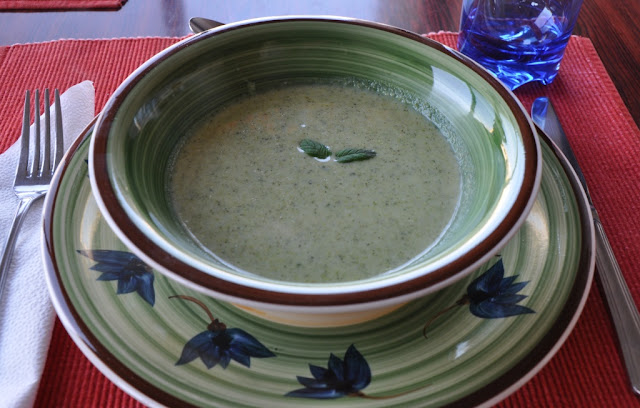 Cream of Broccoli Soup Recipe by www.dish-away.com