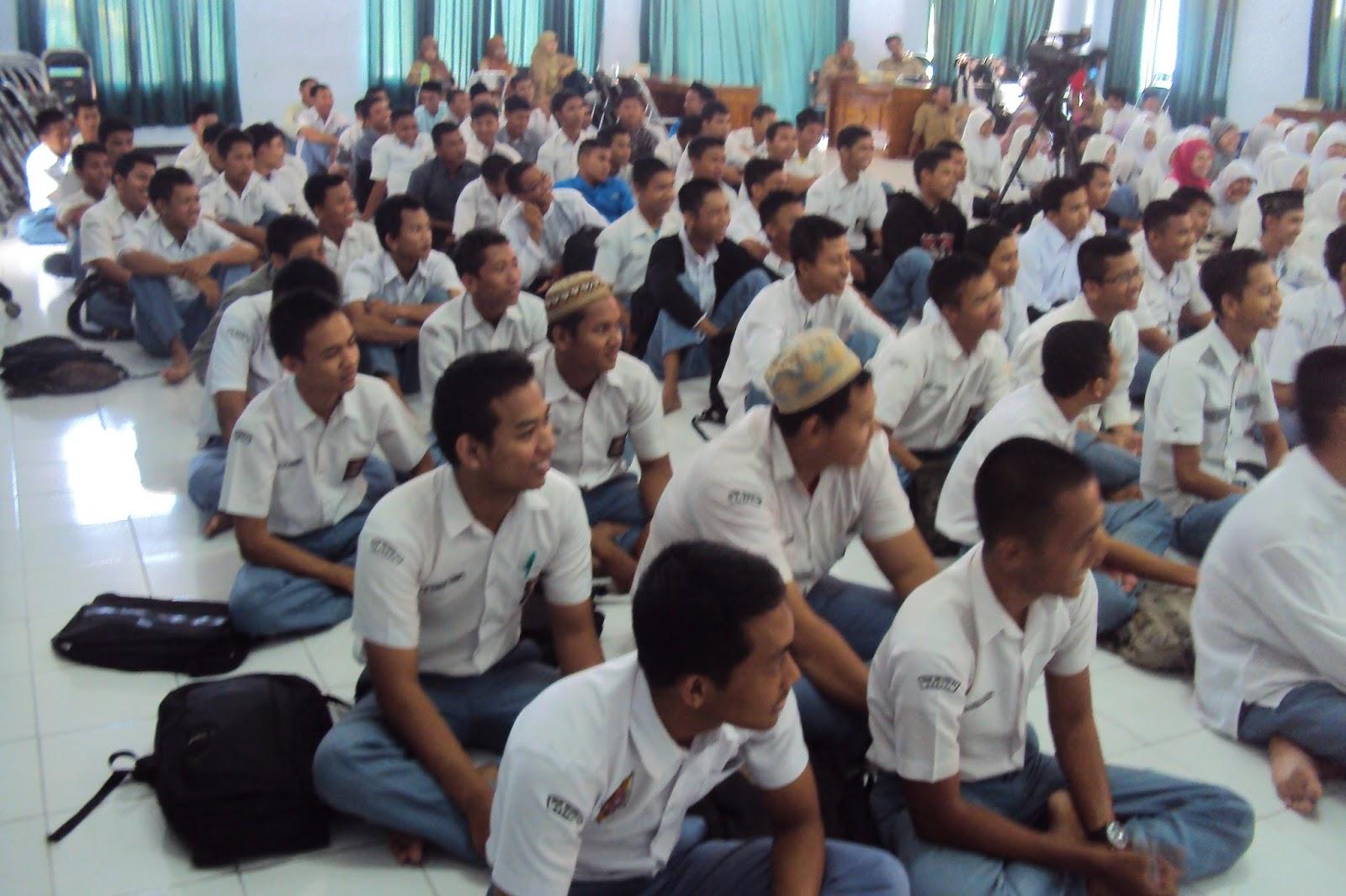 Latihan Soal Un Bahasa Inggris Smk 2013 Toni Comara