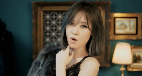 Fiestar's  Yezi (예지) in You're Pitiful MV