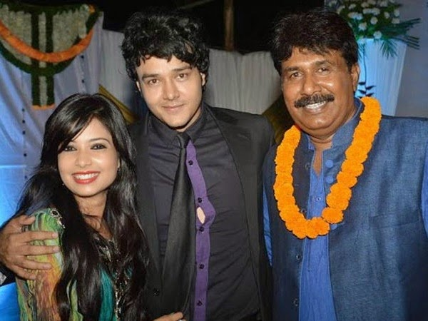 Deepika Singh & Rohit Raj Wedding Family Photos