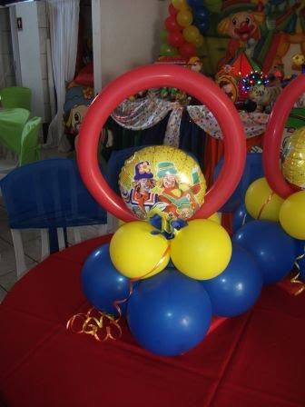 decoração mesa balão patati e patata
