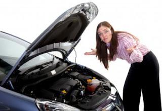 Memperbaiki Mobil yang Rusak Saat Perjalanan