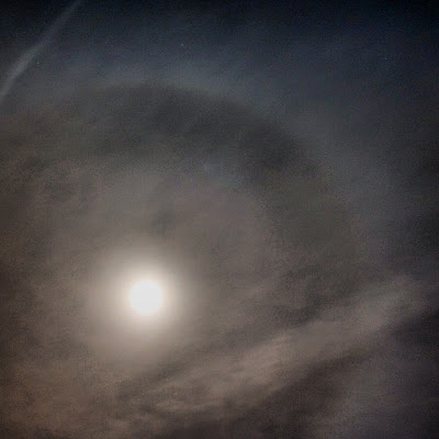 halo ring around the moon