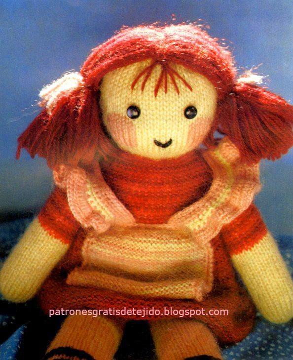 Muñeca pepona tejida con dos agujas - palillos