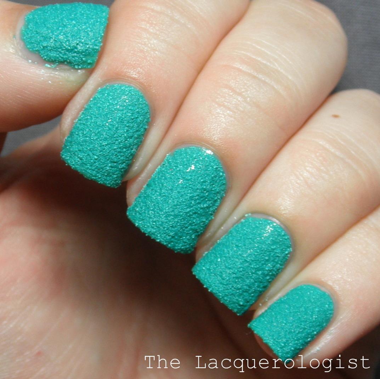 Sally Hansen Fuzzy Coat Nails