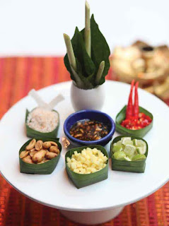 Mieng kham (traditional Thai snack)