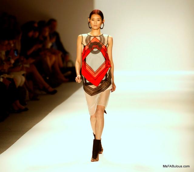 vivienne tam fashion show