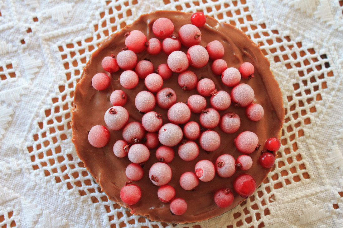 Cheesecake con crema di nocciole e ribes
