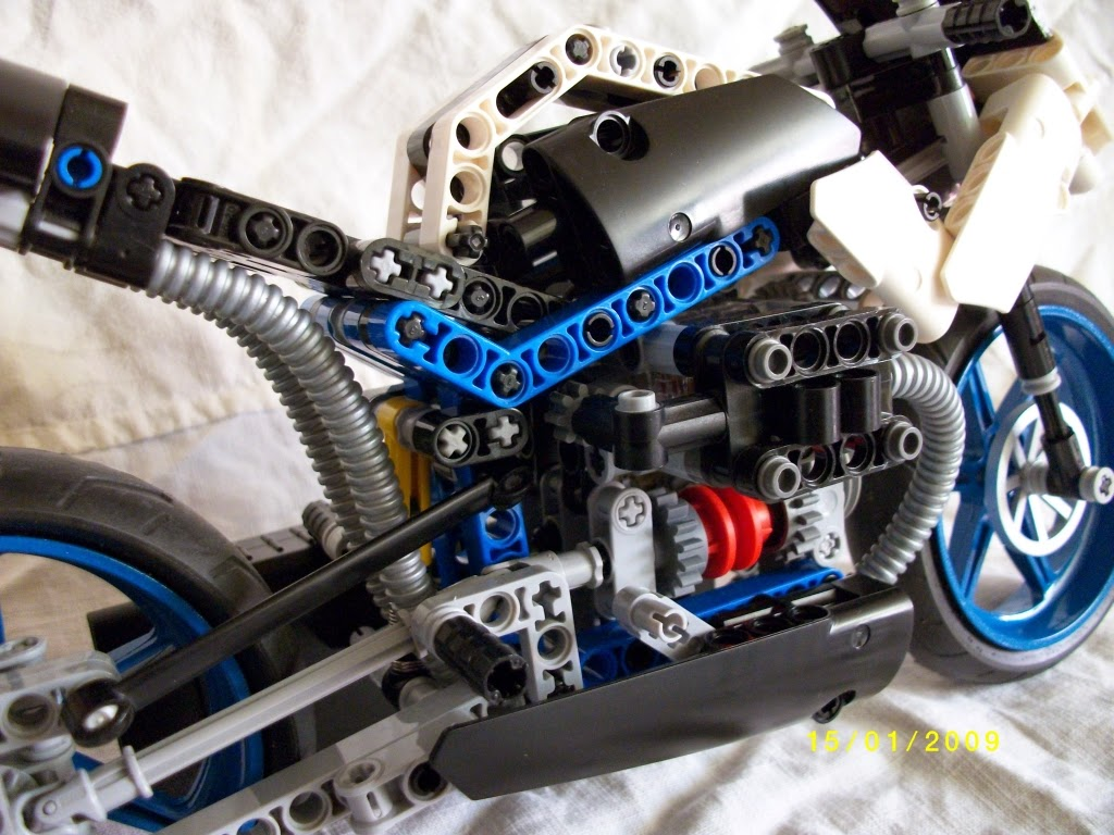 Lego Technic Motorcycles Bmw Hp2 By Nemmoz Gear Box Of Motorcycle Another Aspect That I Really Like On This Bike And Also In Other Bikes From Is The Engine With 2 Speed Gearbox Switch Pedal