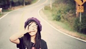 Te invito a salirte de mi vida, haber si tu eres capaz de irte, por que yo no soy capaz de echarte.