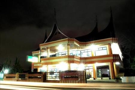 Nikita Palace Hotel Bukittinggi-Voucher Murah