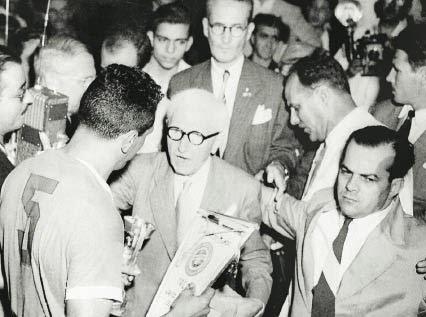 Jules Rimet Obdulio Varela
