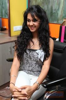 Kamna-Jethmalani-Launch-Shades-Family-Beauty-Stop