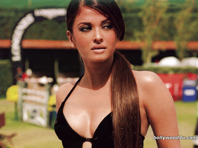 Aishwarya Rai New Wallpapers