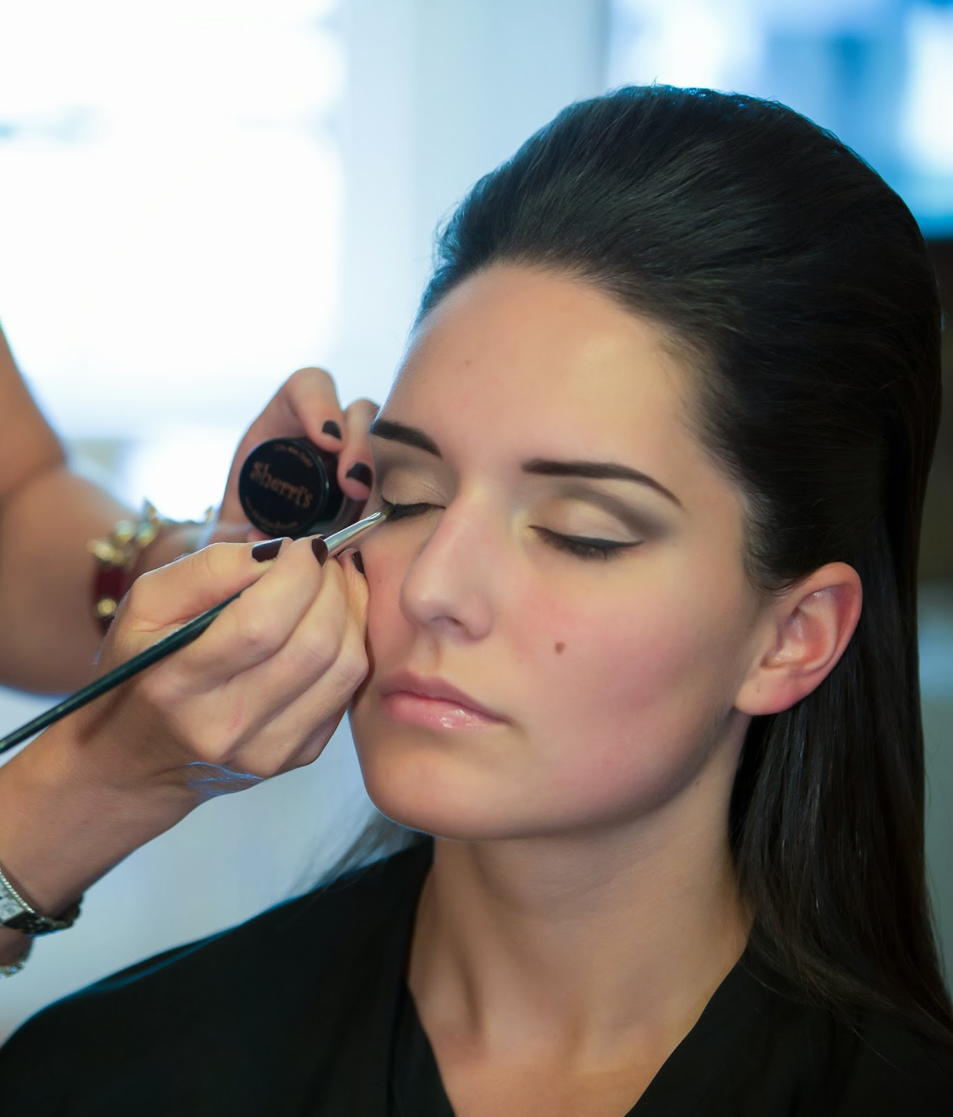 Sherri's Steps to Style: Celebrity Tips for Beautiful Makeup