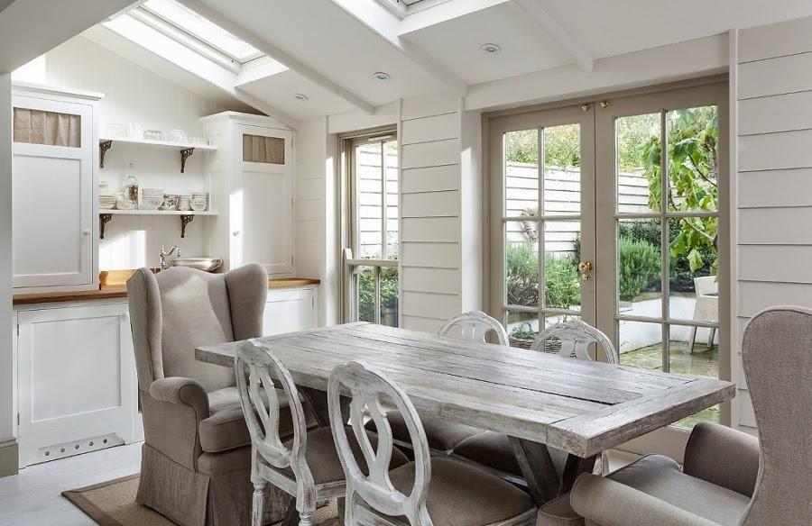 wnętrza, wystrój wnętrz, styl francuski, eleganckie, szary, beżowy, romantyczny, kuchnia, jadalnia, stół, krzesła, fotel