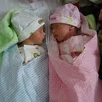 ♥代理出産で生まれた双子の赤ちゃん。不妊に悩んだカップルの夢が実現しました!