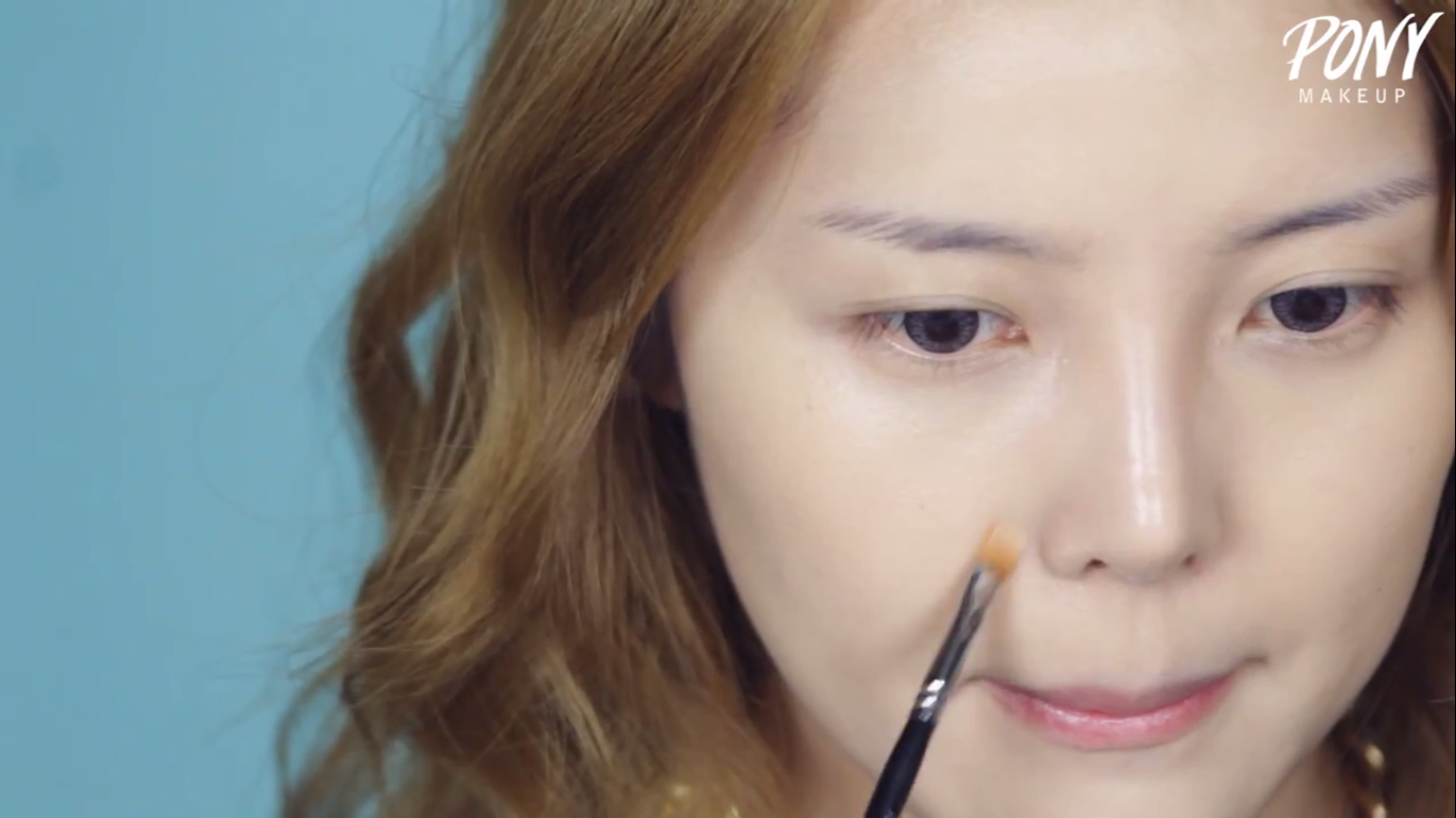 Step 02 Apply Cream Concealer With Concealer Brush Korean Makeup Tutorial  Korean Site How To Apply