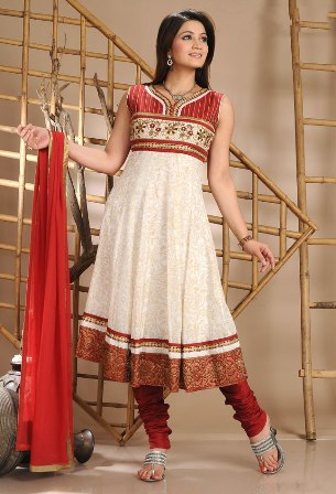 Pakistani_Dresses_By_Indian_Designers