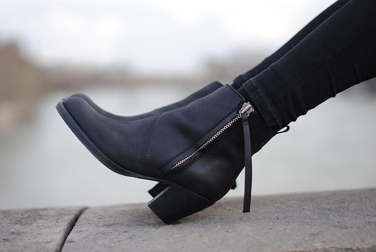 7 đôi giày mọi cô gái cần phải có ảnh 13