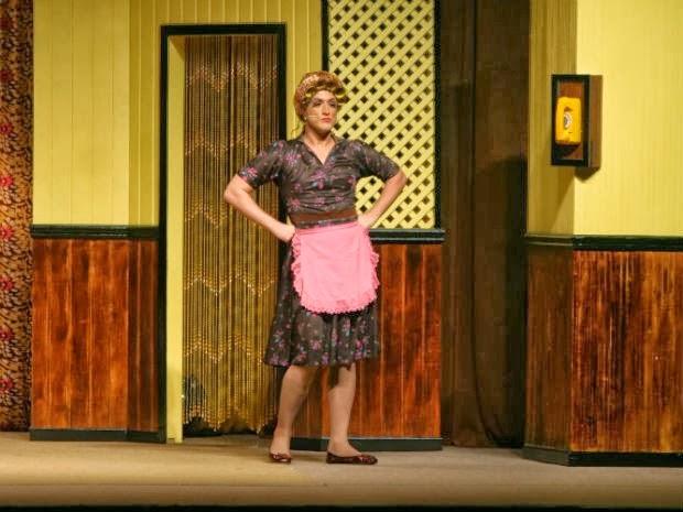 O ator Paulo Gustavo interpreta Dona Hermínia na montagem 'Minha mãe é uma peça' (Foto: Divulgação)