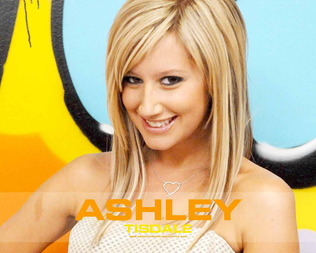 Actress Ashley Tisdale sexy