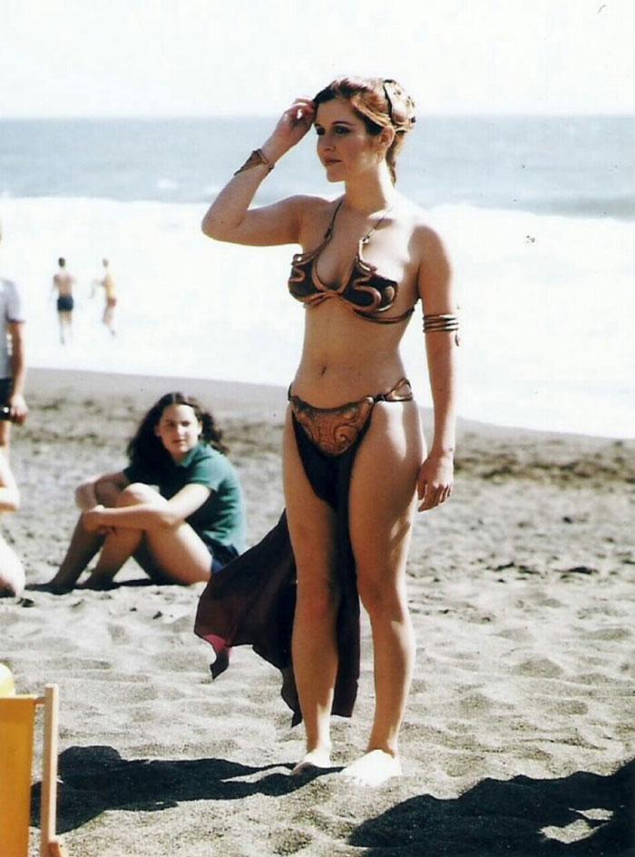 Принцесса Лея (Кэрри Фишер) в ретро фотосессии 1983 года)