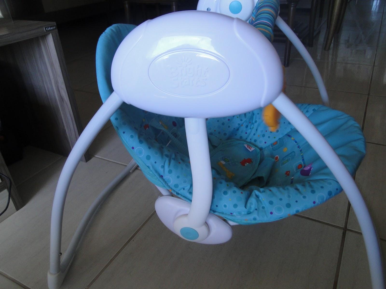 Cadeira de balanço Bright Starts Fun on Safari Selo Mamãe de  #1E56AD 1600x1200